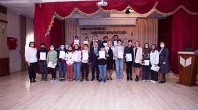 Kaspi Liseyinin şagirdləri beynəlxalq ingilis dil sertifikatı qazandı